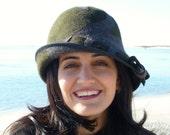 Handmade Women's Black & Grey Swirl Wool Felt Hat