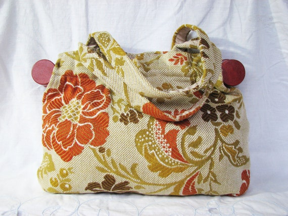 Summer SALE - Vintage Floral Carpet Bag - Red Purse - Fall Fashion - Large Handbag - Shoulder Bag