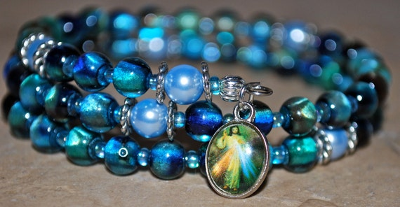 Divine Mercy Coil Rosary Bracelet in Turquoise Mix Glass Beads