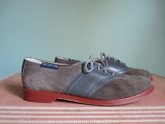 "20% OFF SALE coupon ""bumblepuppy""  1960s vintage Brunswick gray suede saddle shoe bowling shoe women size 8.5"