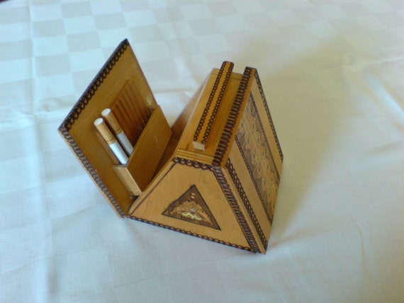 Vintage  box poker-work /Pyrography box for cigarettes/ Table top
