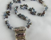 """Peacock Pearl Necklace with Swarovski Crystal and Bar Pearl Pendant with Silver Clasp   17"""""""