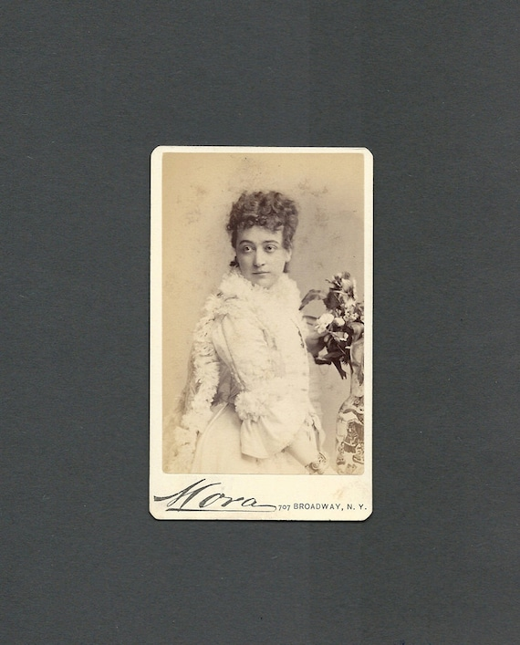 Lovely Mora CDV of a Beautifully Dressed Actress