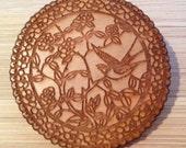 Engraved doily pattern brooch