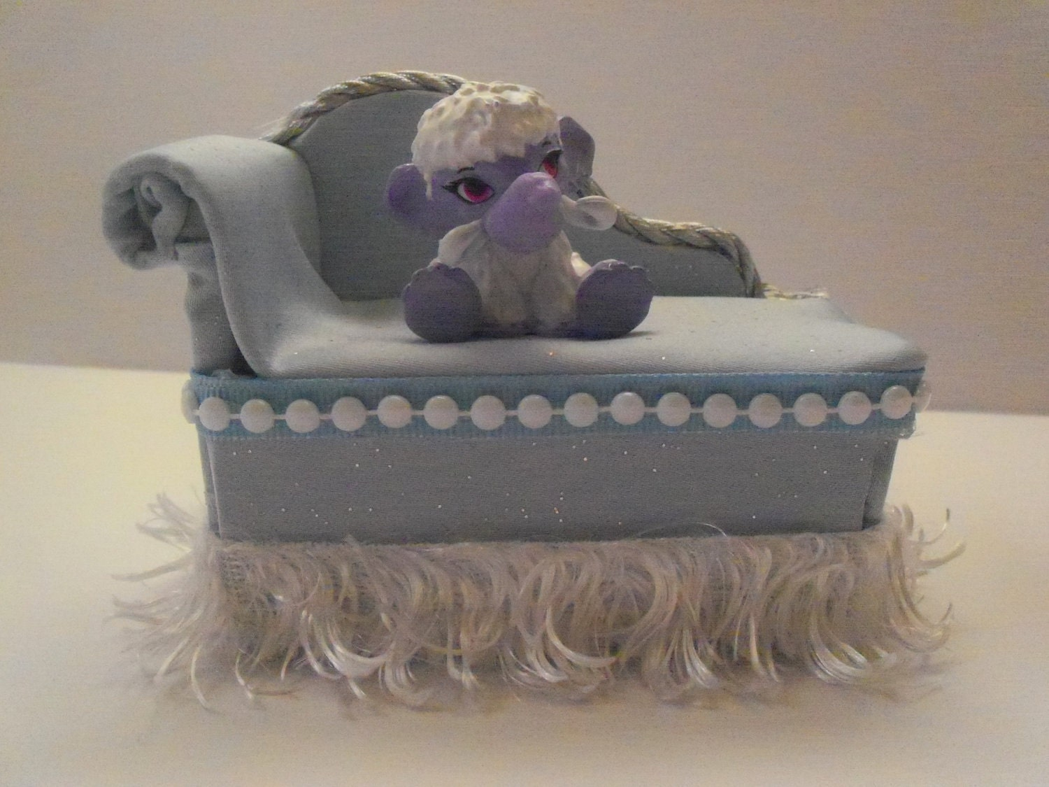 Miniature Monster High Furniture Chaise Lounge For Abbey
