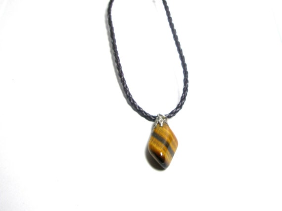 Unique Vintage Tiger's Eye Pendant Necklacee Worldwide  Shipping