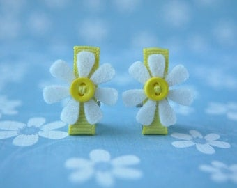 Wool Felt Daisy Clips - Set of Two White Flower with Yellow Button Clips -Wool Felt Toddler Clips - Itty Bitty Clips Baby Clips - IBC1105