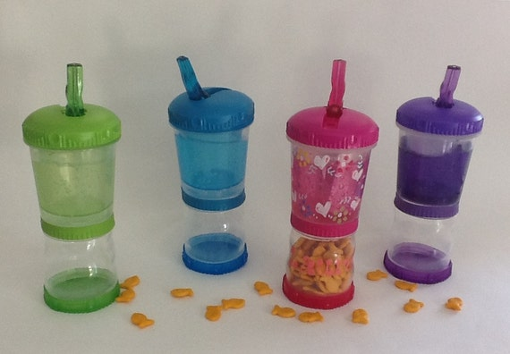 Water Bottle w/ straw and snack container  Only Sold in 10 piece minimum.