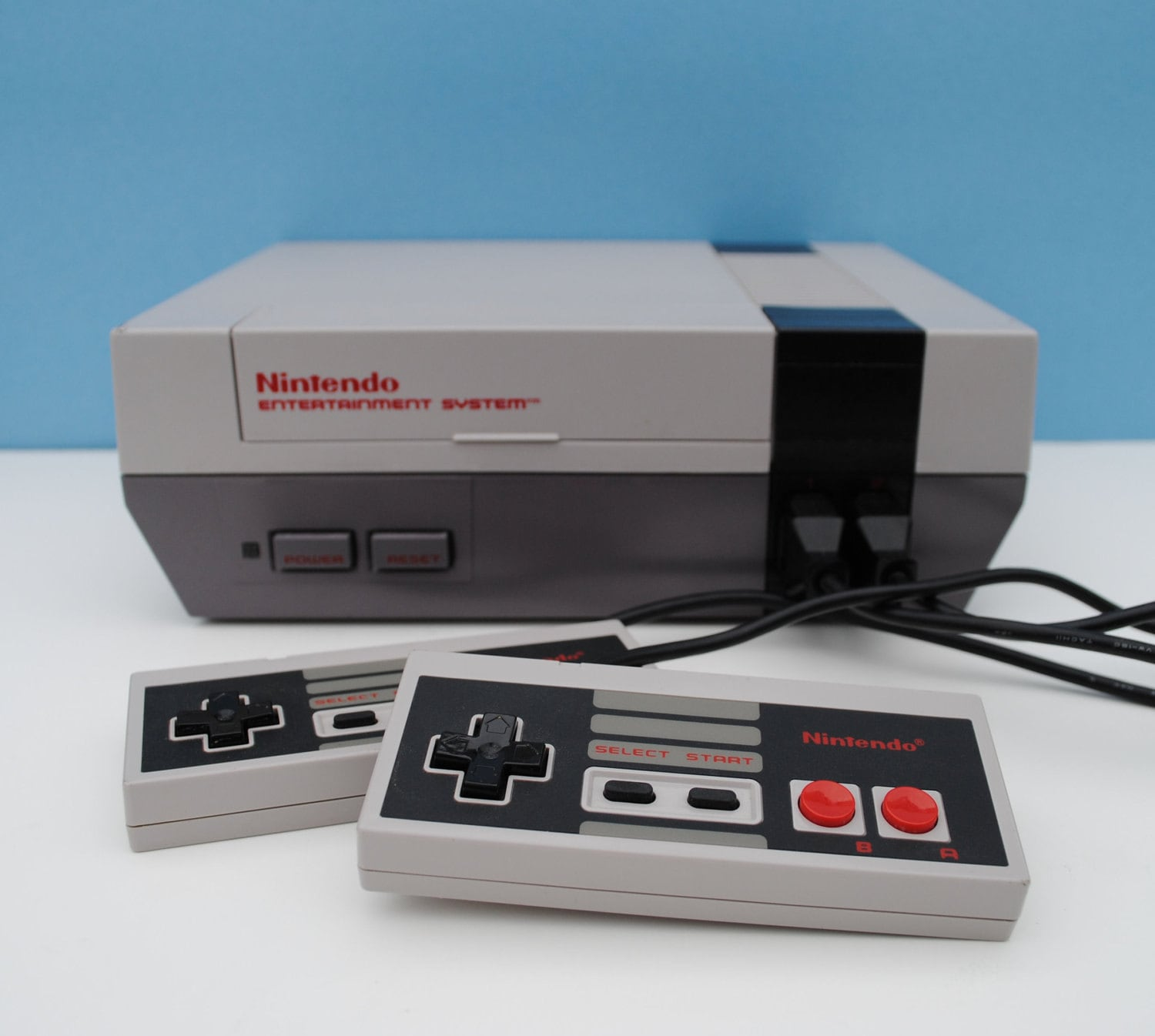 nintendo entertainment system nes console with 3 games. Black Bedroom Furniture Sets. Home Design Ideas