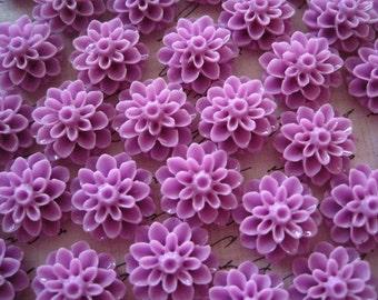 Resin Flower Cabochons / 10 pcs Lilac Resin Dahlia Mum 15mm