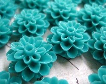 Flower Cabochons / 6 pcs Resin Cabochon Flowers/ Turquoise Dahlia Mum Flower 15mm