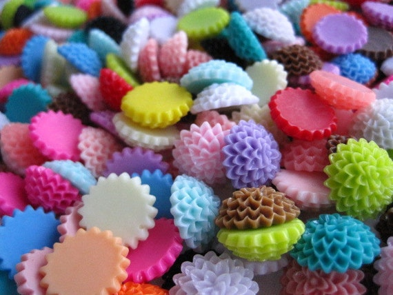 Resin Cabochon/ Resin Flower Cabochons/ 40 pc Mixed Lot 15mm Dahlia Mum Cabochons....Perfect for Rings, Bobby Pins and more