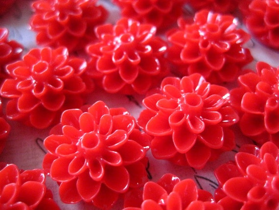 Resin Flower Cabochons / 6 pcs Red Resin Dahlia Mum 15mm