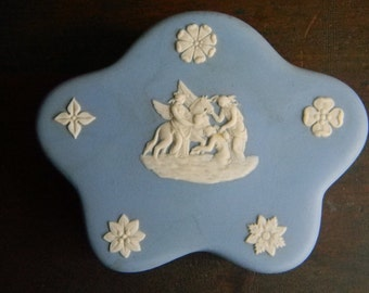Wedgwood Blue Jasper Ware Pegasus Pentefoil Covered Jewelry Box SALE PRICE