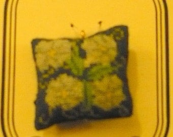 Morning glories micropoint pendant