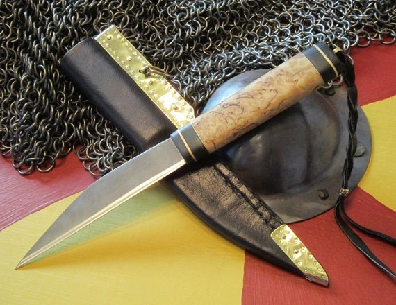 Viking Seax knife of Masur Birch and horn