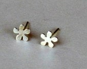 Sterling Silver Flower Post Earrings - Gold stick