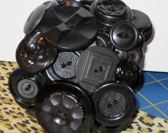 Vintage button cuff bracelet, black