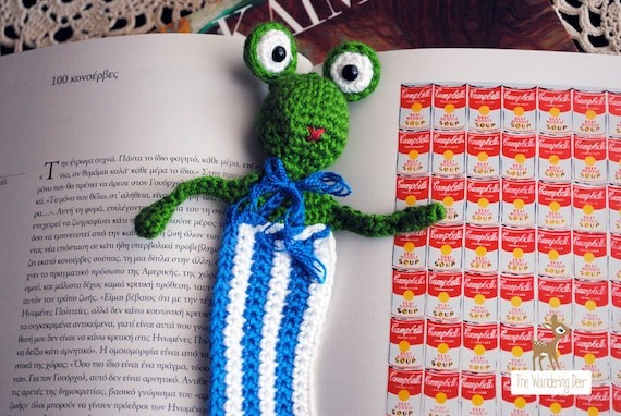 Cute Frog with big eyes and bow crochet bookmark