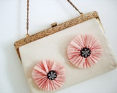 Vintage 60s flower purse/ light pastel pink peach color/ gold tone floral ornate frame/ spring accessory/ doubles as clutch
