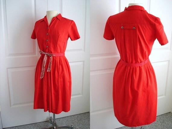 Vintage 60s  handmade secretary red dress/ short sleeves/ sun buttons