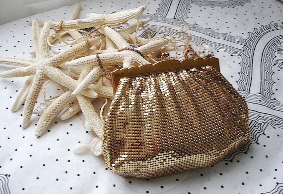 Vintage Whiting and Davis 40s mesh purse/ gold enameled mesh evening bag/ scalloped frame