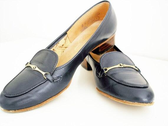 Vintage navy blue shoes/ vintage dark blue loafers/ navy blue flats/ women's/ size 8/ Little Capezio