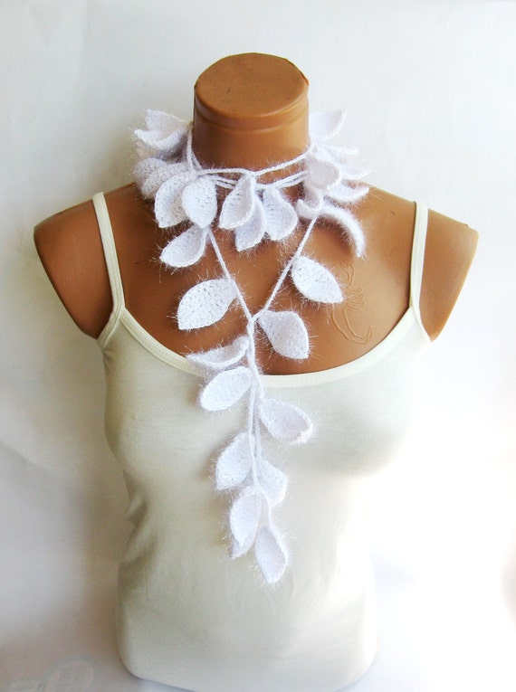 Silvery Crochet ivy, White, ivy leafs Lariat Scarf. Fashion Flower Scarves, Necklace... Wedding Scarf, Bride, Bridesmaid...