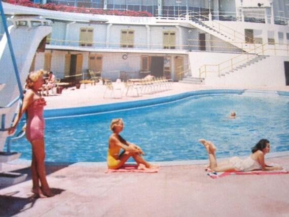 Vintage 1950s Virgin Isle Hotel Tropical Pin up girl Postcard