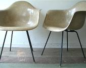 PAIR Mid Century Modern Eames Herman Miller Fiberglass Chairs