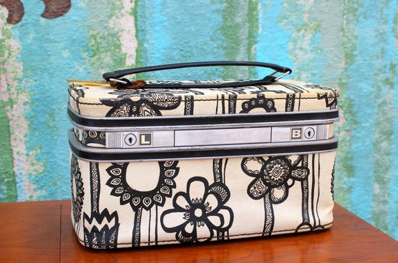 Vintage Samsonite Fashionaire makeup case