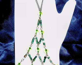 Renaissance style bracelet - Green Beads