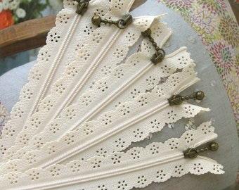 Lace Zippers Supplies Scallop Lace Clothes Purse Bags Ecru Zipper Trim DIY Fabric Crafts Alterations 9 inchs Long 5 pcs