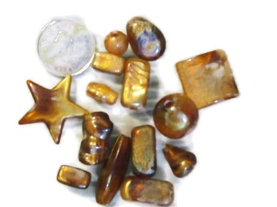 bead destash Clearance - Loose Beads - amber acrylic beads - 14 pieces (027)