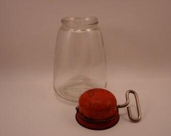 Red Lid Nut Grinder