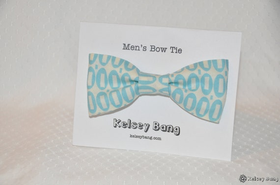 adult easy clip on bow tie - baby blue peezy print with white background