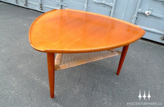 items similar to danish modern mid century guitar pick coffee table by poul jensen for selig on etsy. Black Bedroom Furniture Sets. Home Design Ideas
