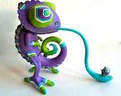 Resin Figure Chameleon, Lizard, Sculpture, Designer Toy, Purple w. Fly