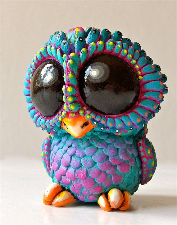 BABY OWL -  Sculpture / Collectible Resin Toy ,  Peacock Version, Eyes Up