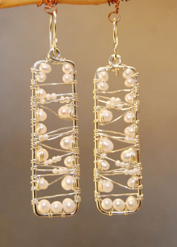 Hammered earrings with Ivory Pearls Cosmopolitan 57