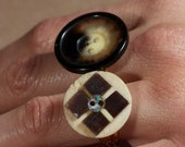 Black and Cream shell inspired button ring