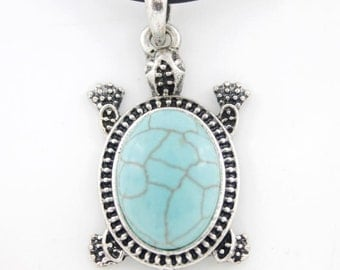 Silver-tone Turquoise Stone Turtle Pendant NECKLACE