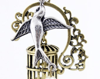 Beautiful Gold-tone Flying Bird and Cage Pendant Necklace