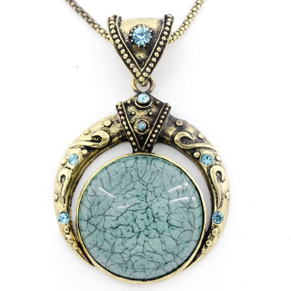 Vintage Gold-tone Blue/Bluish Round Resin Stone Crystal Pendant NECKLACE