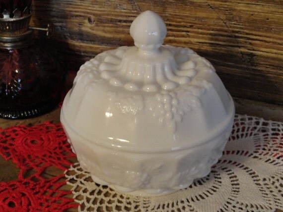 Vintage Wedding Westmoreland Milkglass Covered Candy Dish Powder Box Paneled Grapes
