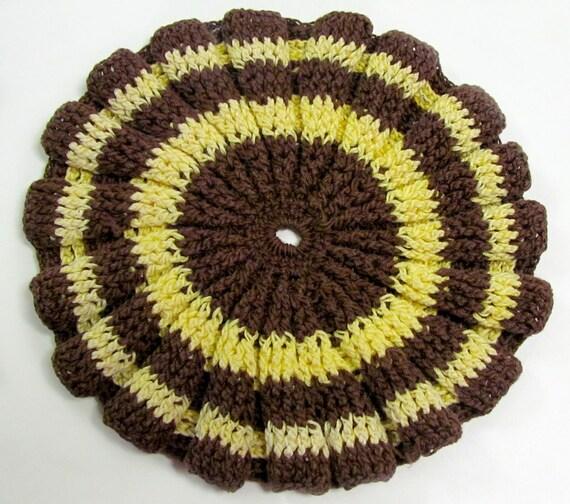 RESERVED  Vintage Brown Eye Susan Crochet Hot Pot Holder, Trivet. Linen, Kitchen Linens