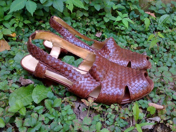 New Low Price - Womens Leather, Woven, Braided, Low Heel Sandals / Circa 1980 Shoes - Size 8