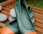 ANN. Ballet flats / womens flat shoes / green leather shoes / green shoes. Sizes: US 4-13, EUR 35-43. Available in different leather colors.