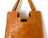 MI-AMOR. Shoulder bag / Tote / leather bag. Available in different leather colors.