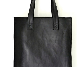 MINIMO. Simple leather bag / leather handbag / black  leather shopper bag / leather tote bag. Available in different leather colors.